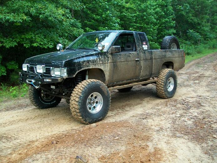93 Pathfinder http://www.pirate4x4.com/forum/vehicles-trailers-sale/1016322-93-nissan-hardbody-king-cab-sas.html